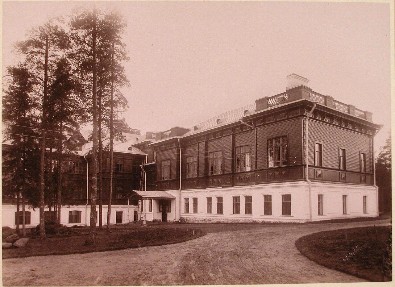 03. Вид флигеля со стороны двора Николаевского отделения санатория