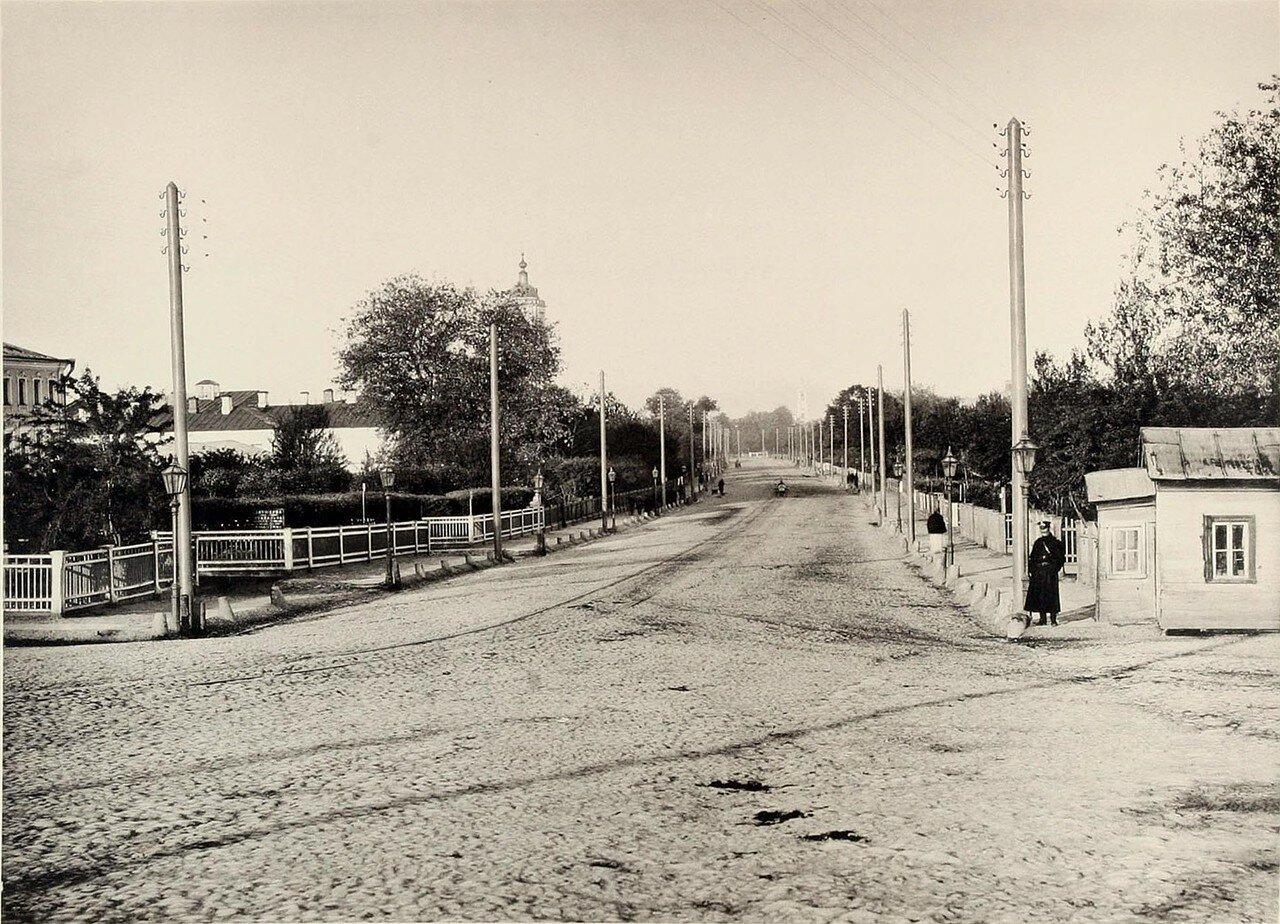 285. Вид Садовой улицы