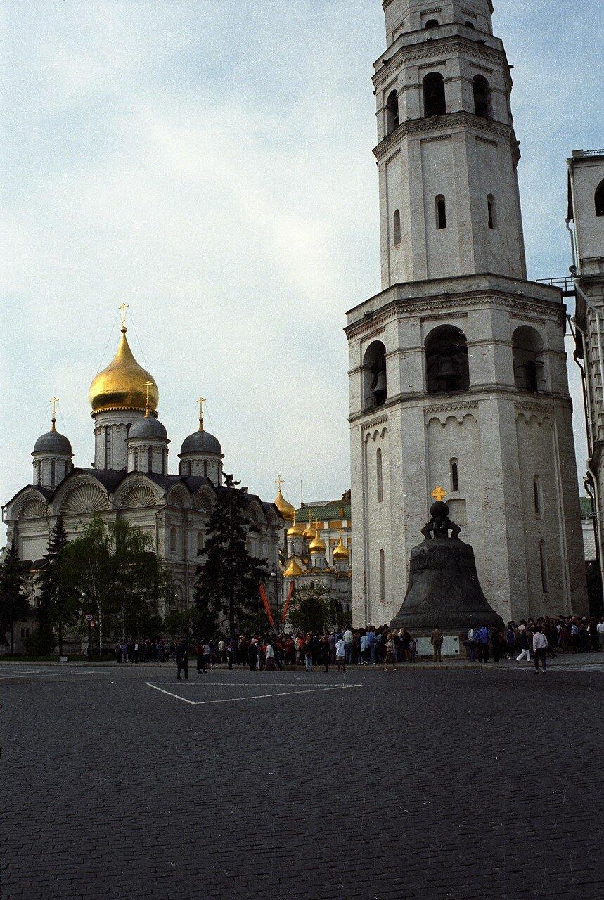Кремлевские колокол и башня
