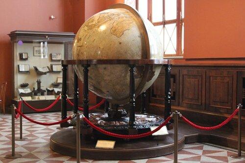 Глобус. Голландия. 1690-е гг. Мастерская наследников В.Блеу