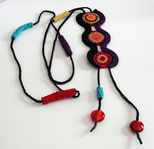 knitted and crochet jewellery: more ideas