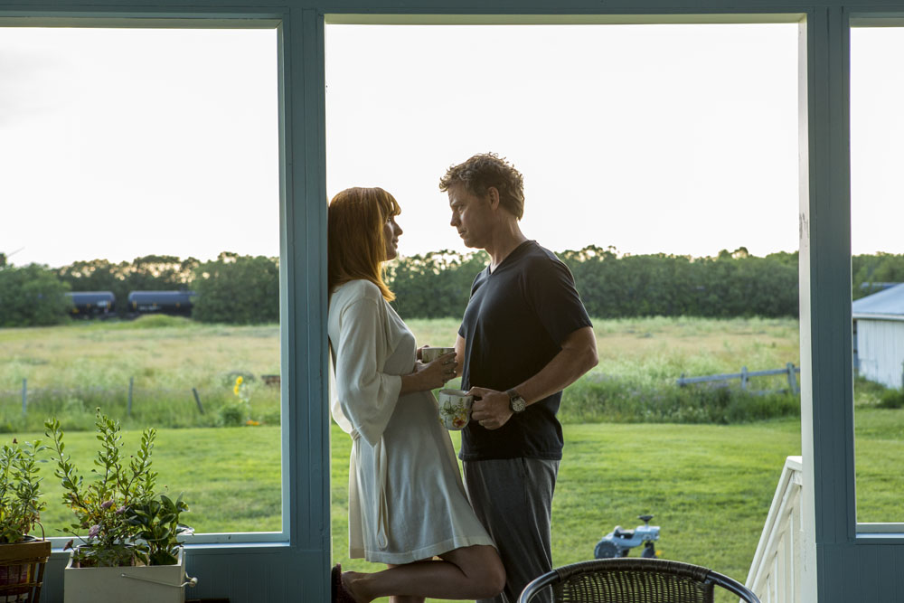 Todd (Greg Kinnear) and  Sonja (Kelly Reilly) share a moment of loving support in TriStar Pictures' HEAVEN IS FOR REAL.