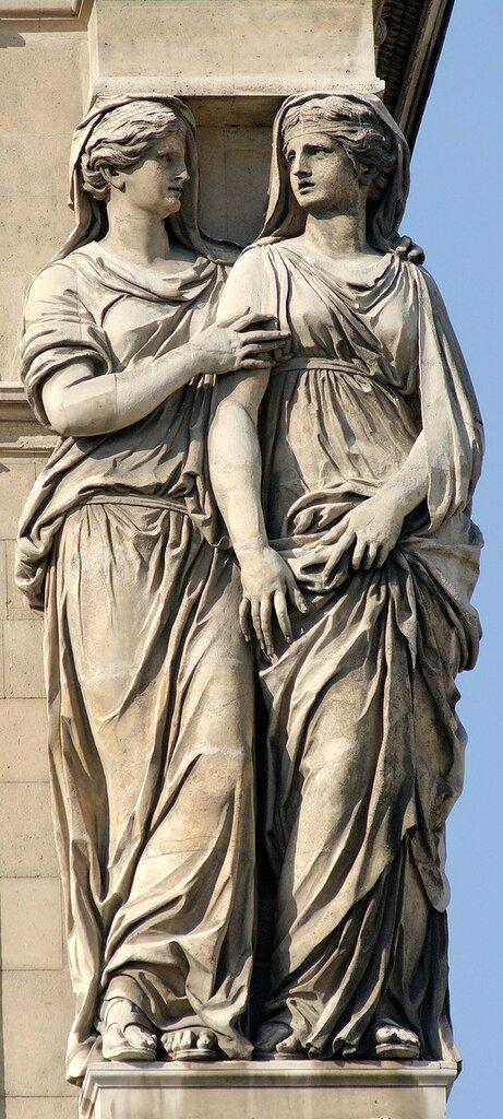 800px-Right_caryatids_Pavillon_Horloge_Louvre.jpg
