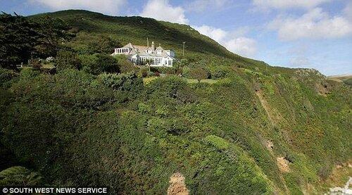 Дом Кейт Буш может обрушиться в море