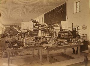 Вид экспонатов горнозаводского отдела выставки - изделий чугунно-литейного механического завода.