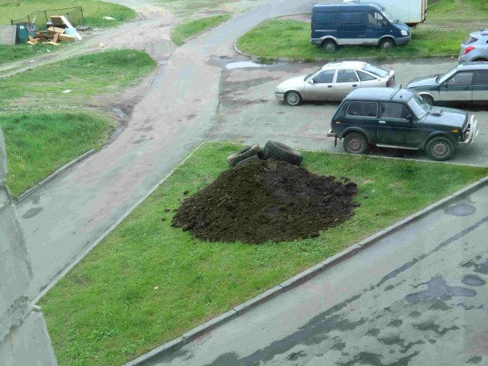 Клумба, как средство борьбы с любителями парковки на газонах