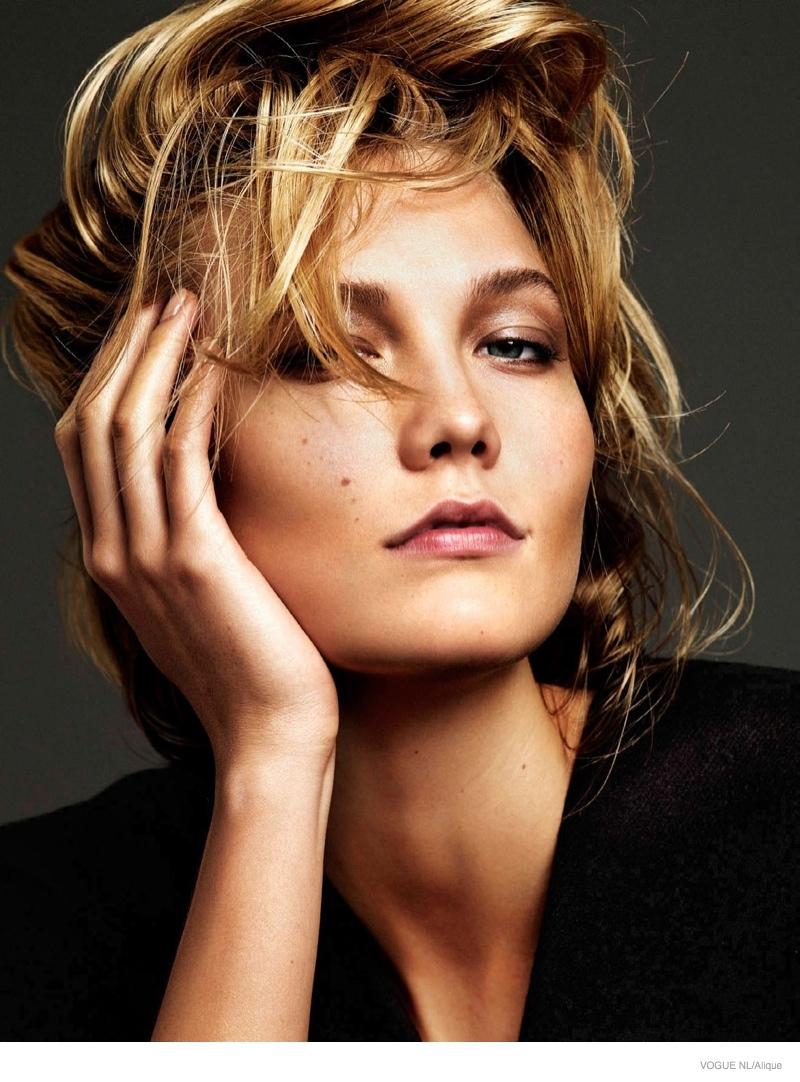 Карли Клосс в фотосессии Vogue Netherlands, цветная, портрет
