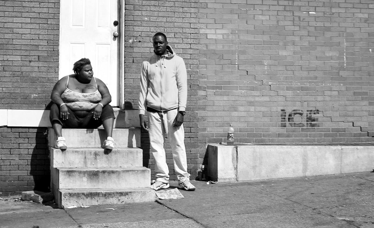 Неулыбчивая Америка: Черно-белая жизнь в бедных кварталах современного Балтимора (19)