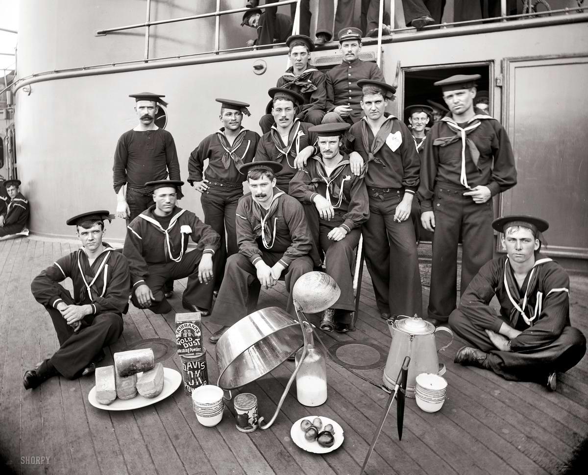 Корабли, речные суда и военные моряки на снимках американских фотографов конца 19 века (25)