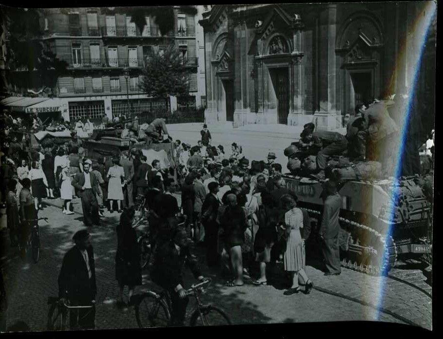 Союзные войска входят в город