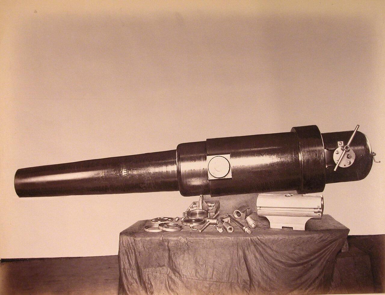 24. Общий вид стального 8-дюймового орудия