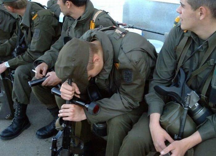 Смешные армейские будни hilarious_army_photos_05