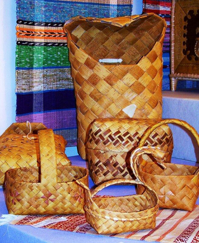 Плетеные корзины из бересты