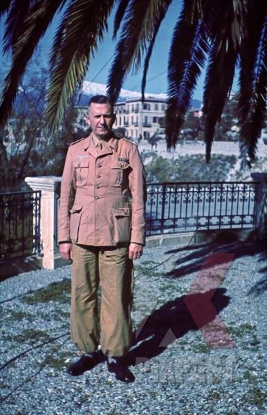 stock-photo-ww2-color-luftwaffe-field-division-2nd-lufllotte-sicily-1943-tropical-uniform-pilot-ribbon-bar-german-war-merit-cross-kvk-8345.jpg