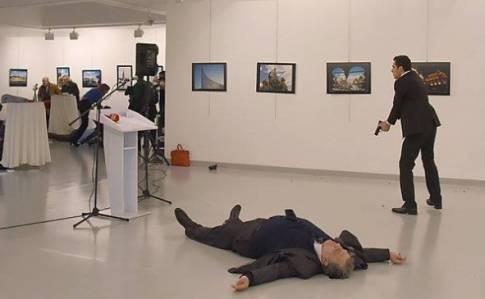 """""""Дипломаты - такие же солдаты страны воющей с нами, как и ихтамнеты"""": Донік о том, почему можно радоваться смерти посла РФ"""