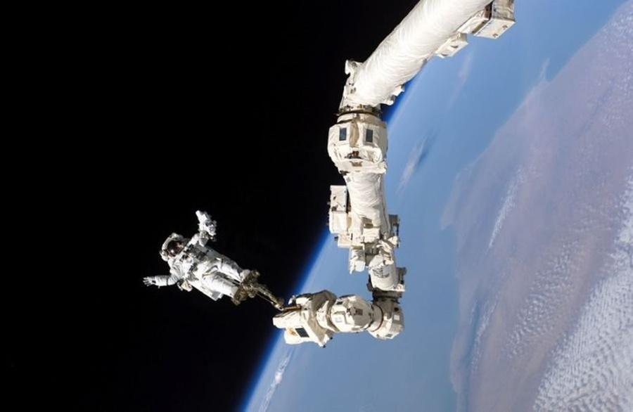 Космические рекорды: Прогулка в открытом космосе — исторические фотографии