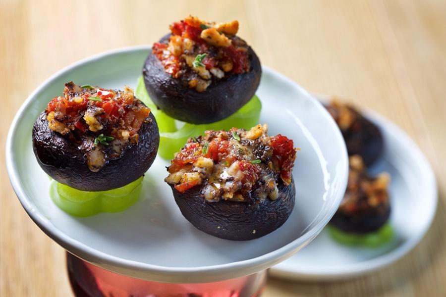 Чудо рецепт! Кабачки, жаренные с грибами и помидорами