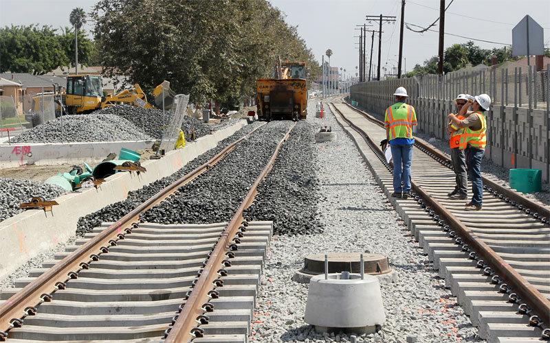 Именно поэтому щебенка — наиболее подходящий материал для покрытия площади вокруг железнодорожны