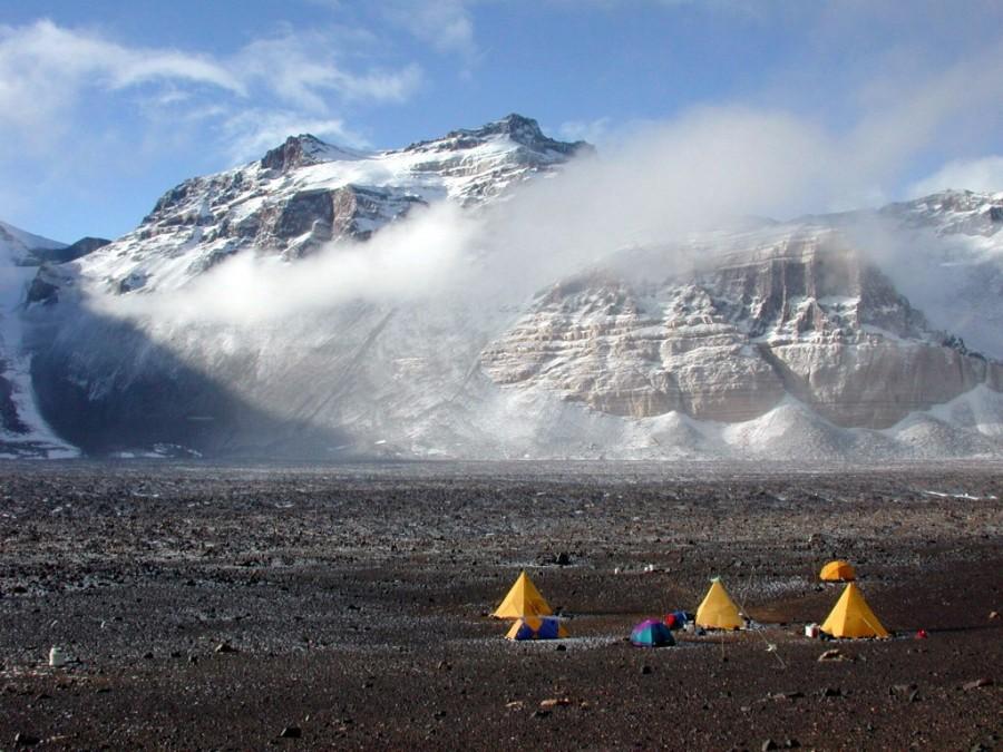 16. Трансантарктические горы разделяют Антарктиду на восточную и западную части Это одна из самых дл