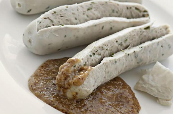 4. Вайсвурст Эти колбаски являются одними из самых знаменитых среди баварских колбас. Своим белым цв
