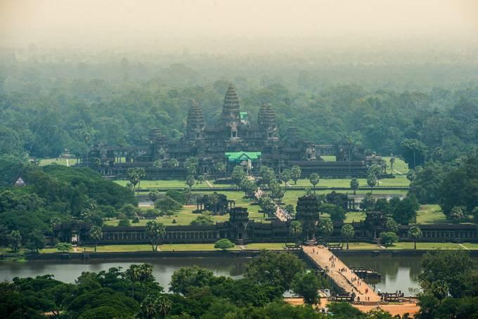 2. Изучить окрестности Если сокровищ Сиемреапа и главных храмов древней столицы Кхмерской империи ва