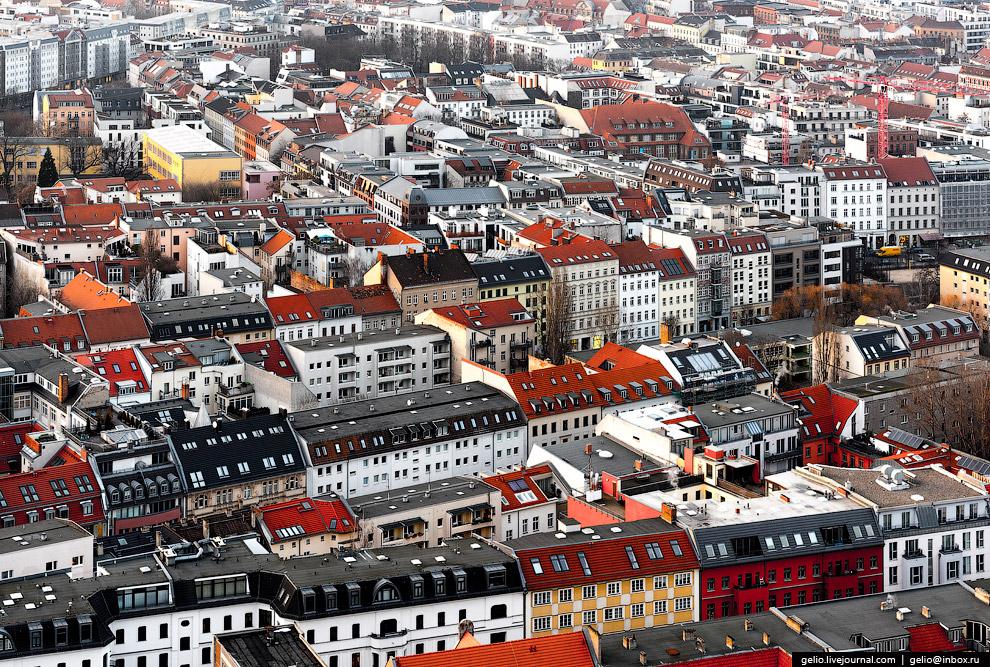 20. Карл-Либкнехт-штрассе, одна из самых оживленных улиц в восточной части Берлина. До 1945 год