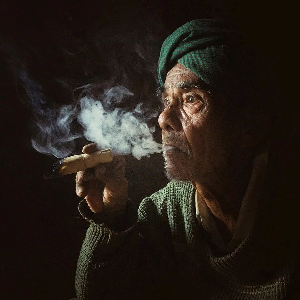 «Курящий старик», Онг Пай Со. Победитель в категории «Портреты».
