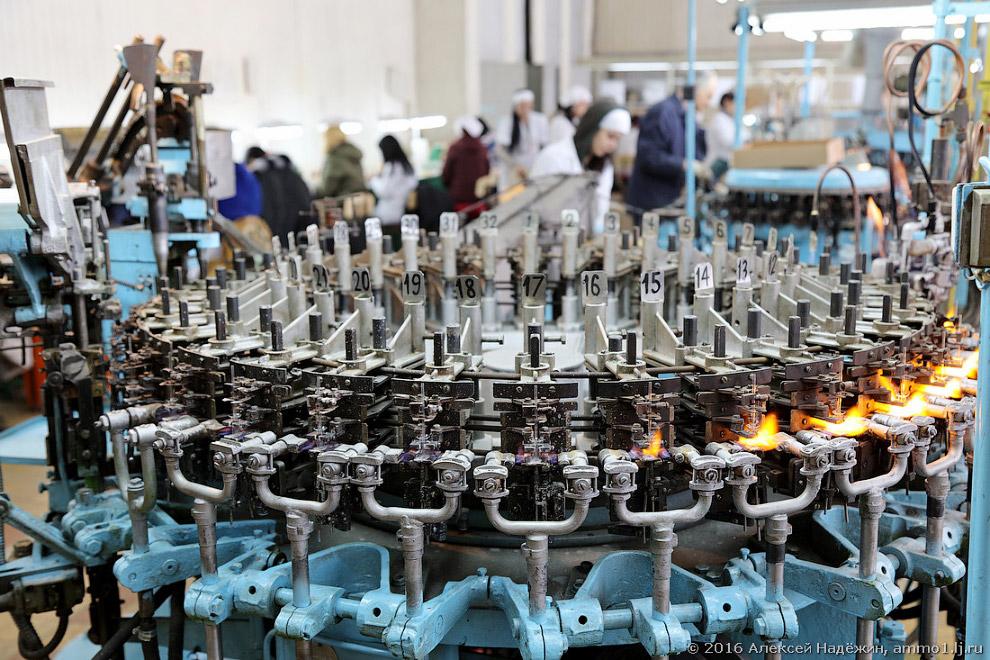 9. Лисма производит 30000 светодиодных ламп в месяц. При этом обычных ламп производятся миллион