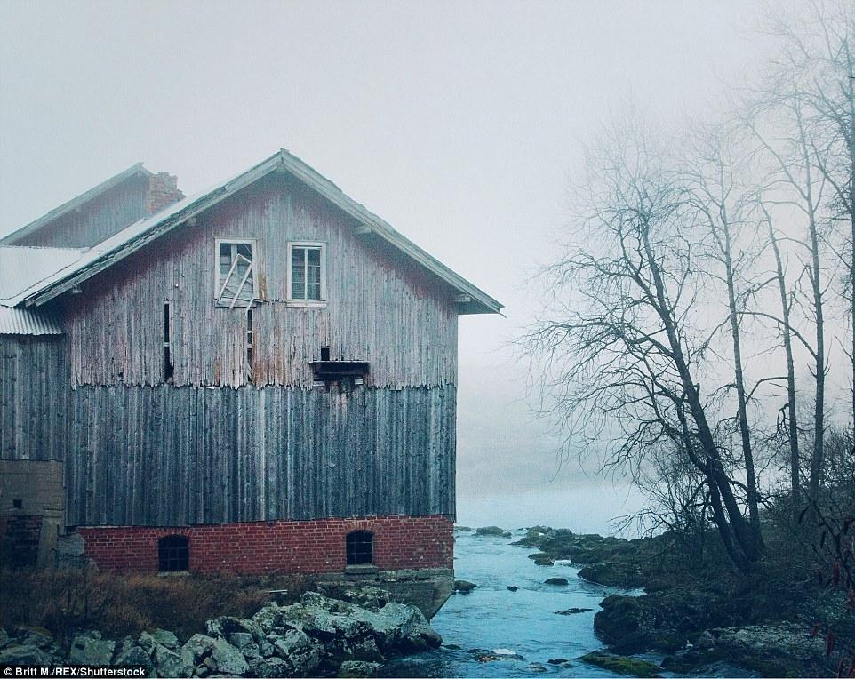 Этот дом находится в Эстфолле, самом южном регионе Норвегии, прилегающем к шведской границе. Этот до