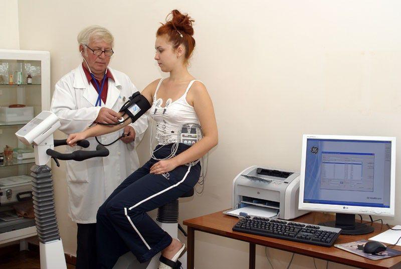 Минздрав установил для медработников временные нормы приема пациентов