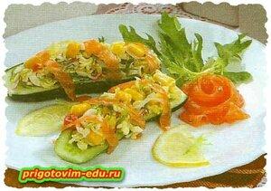 Огурцы с морским салатом