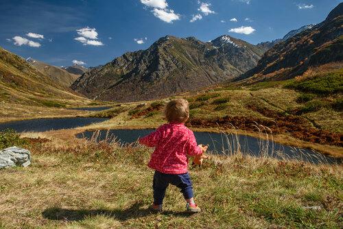 Поход с ребенком 1 год и 3 месяца на озера Дзитаку в Красной Поляне