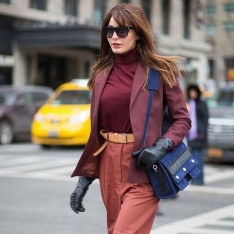 С чем носить синюю сумку осенью?