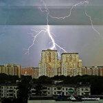 Молния над Солнцево Подписаться https://www.instagram.com/p/BWrX0_JlxpS/Фото Сергей Ризин @sr461988 #solntsevo #солнцево #солнцевский #молния