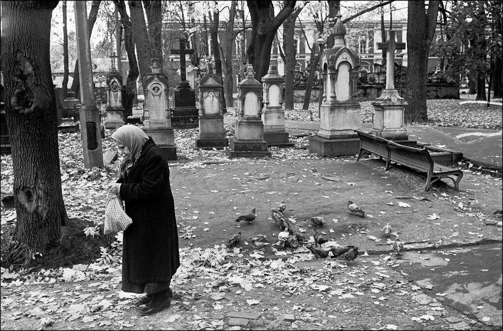 Донской монастырь. Москва, 1989 год. Фото © Игорь Стомахин.jpg