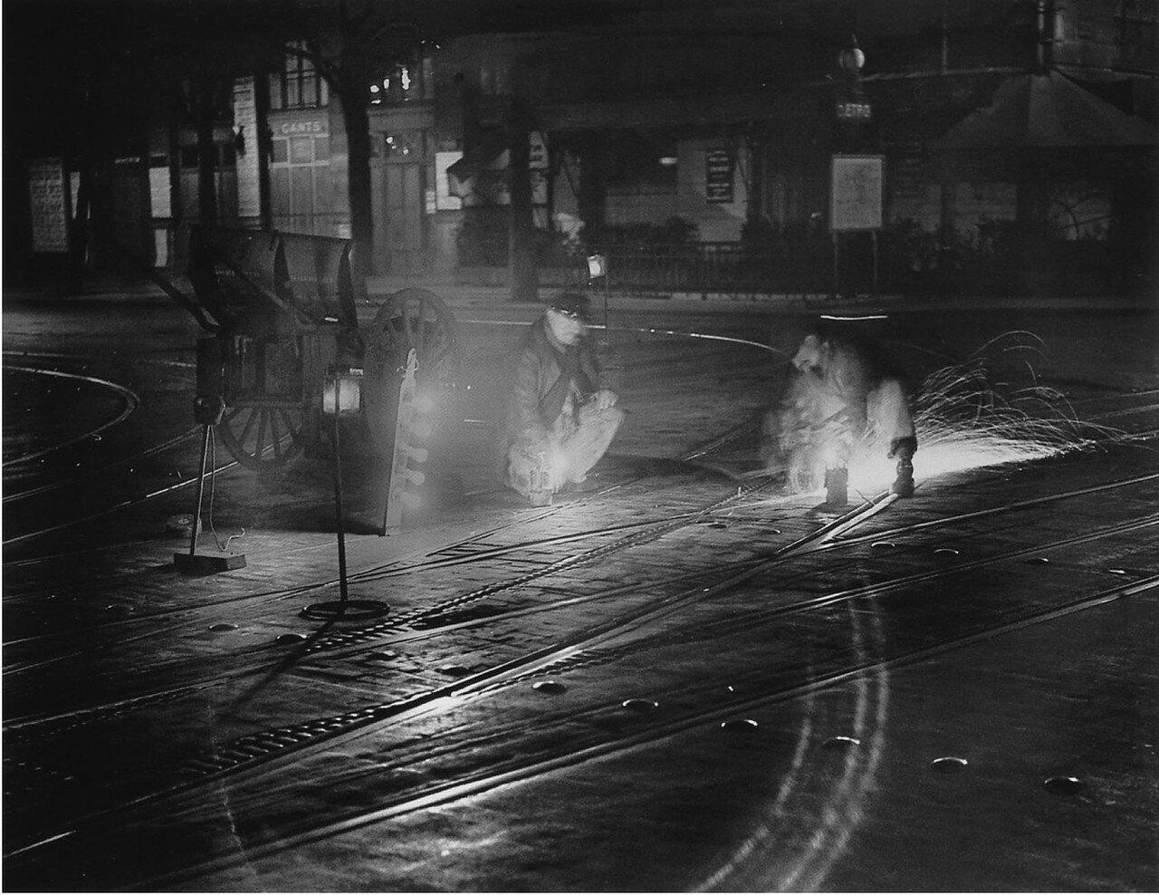 1932. Чистильщики рельс