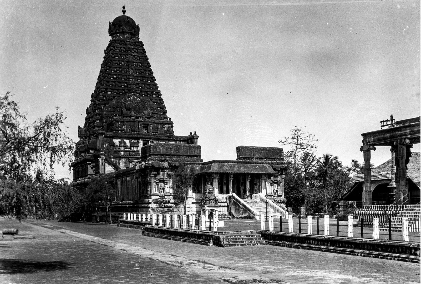 463. Мадрас. Главный корпус индуистского храма Капалишварар