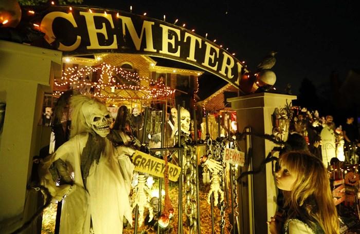 Тыквы и страшные костюмы: мир празднует Хэллоуин 2014 года 0 106ab6 78f31dbd orig