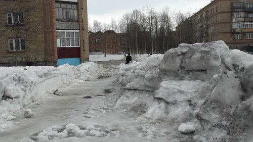 Фото города Инта №7530  Куратова 34 и Воркутинская 6 09.04.2015_12:58