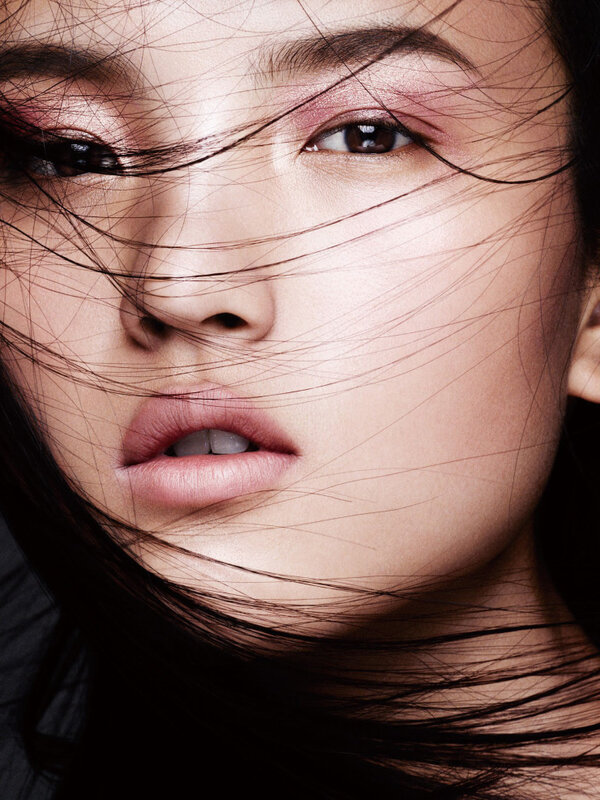 ji-hye-park-kouka-webb-tian-yi-karmay-lu-ping-sora-choi-by-ben-hassett-for-vogue-china-may-2015-3.jpg