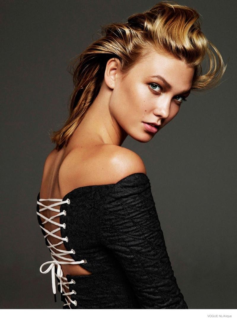 Карли Клосс в фотосессии Vogue Netherlands, платье