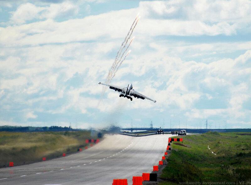 Фотографии взлетающих истребителей 12 фотография