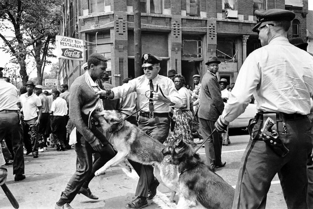 США, штат Алабама: Массовые протесты негритянского населения против белого террора (1)