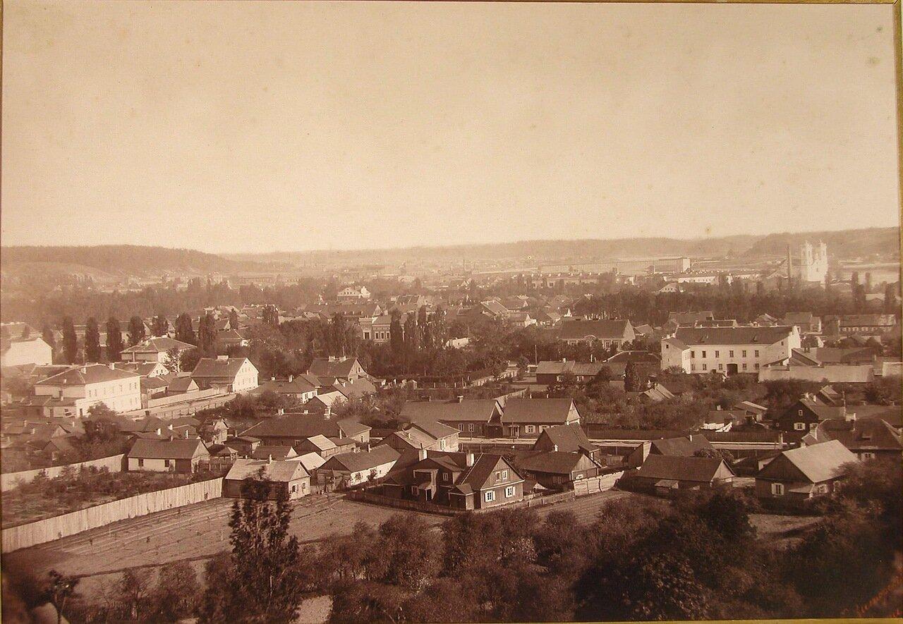 08. Общий вид восточной части города (с зеленой горы)