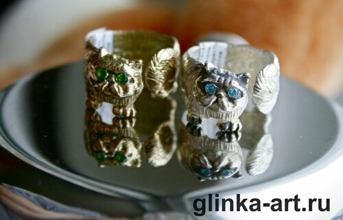белое кольцо-серебро 925 пробы ,желтое-ювелирная бронза, фианиты.авторская бижутерия