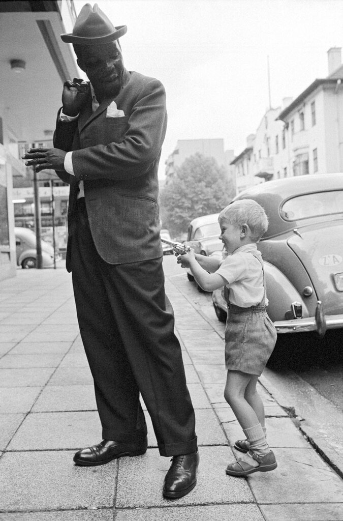 David Goldblatt,1963 Holdup in Hillbrow