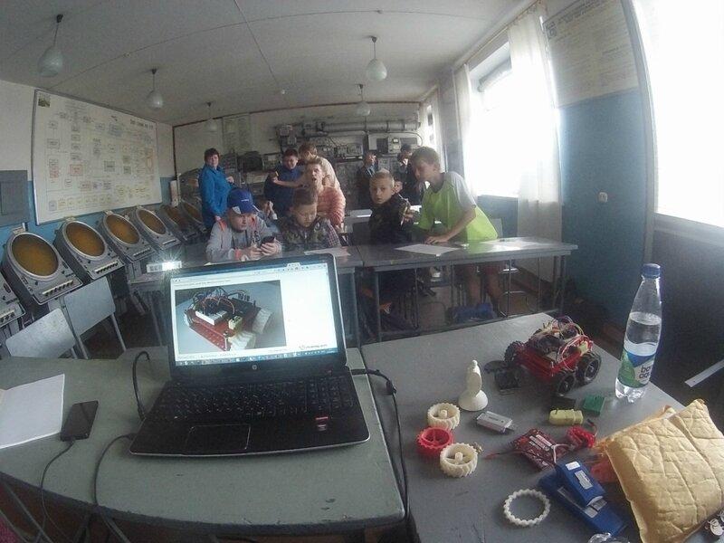 Роботы в ДОСААФ осенью-занятие1-09.jpg