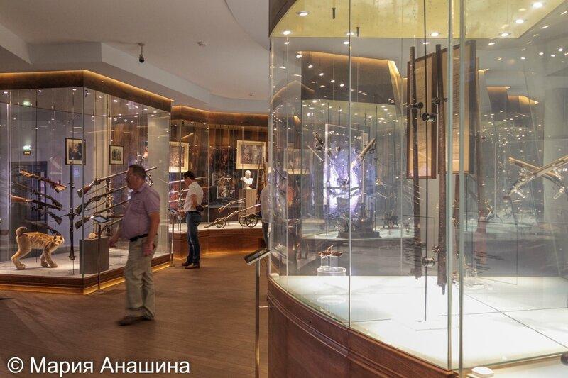 Экспозиция музея оружия