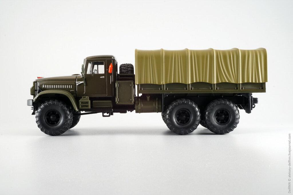 КрАЗ-255Б-08.jpg