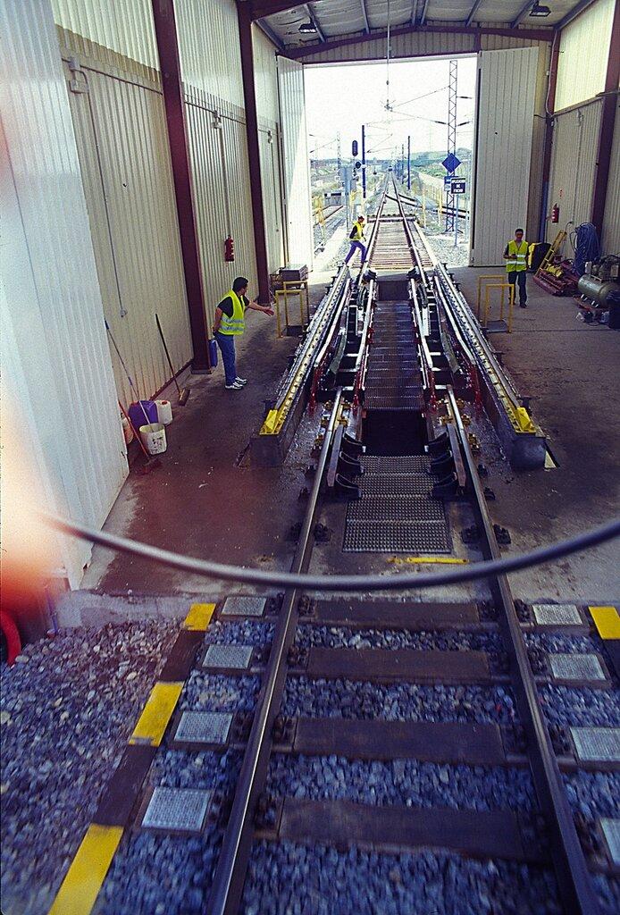 Смена железнодорожной колеи на ходу